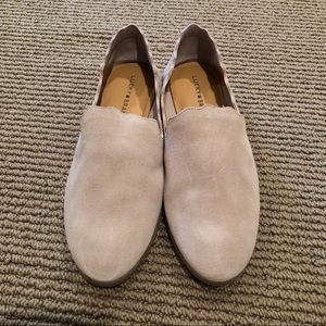 Lucky Brand Caliya gray 8.5M